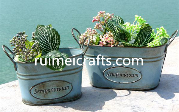 pastoral style metal planter for courtyard decorative
