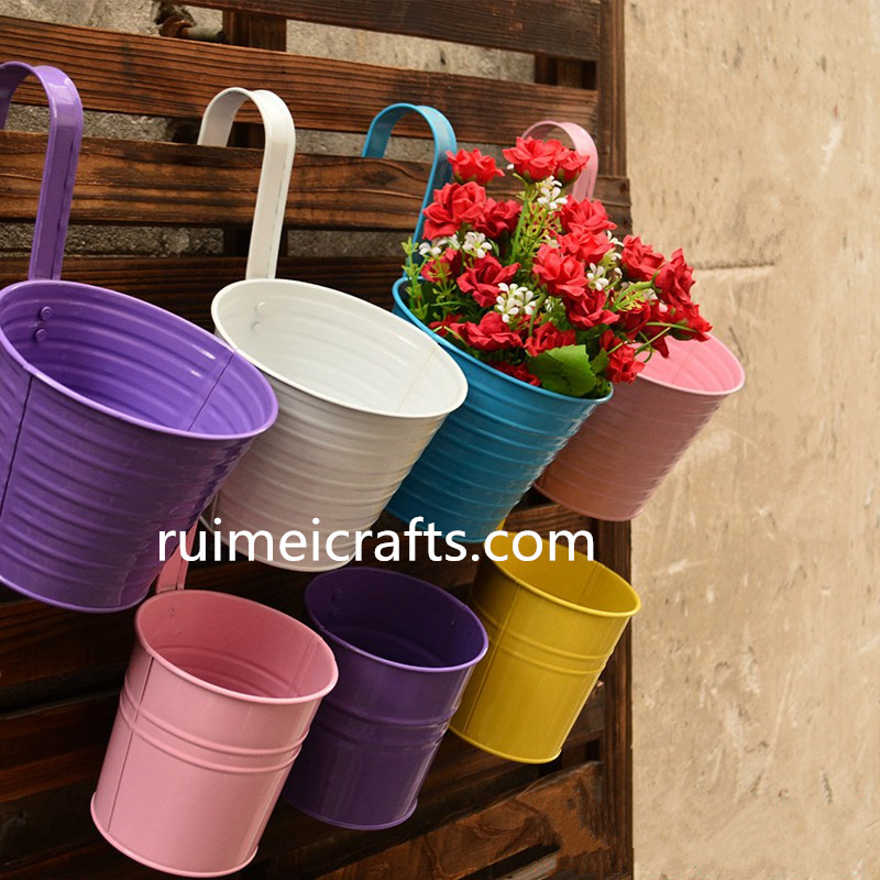 High Quality Garden Decoration Supplies Iron Pastoral Balcony Pots Planters