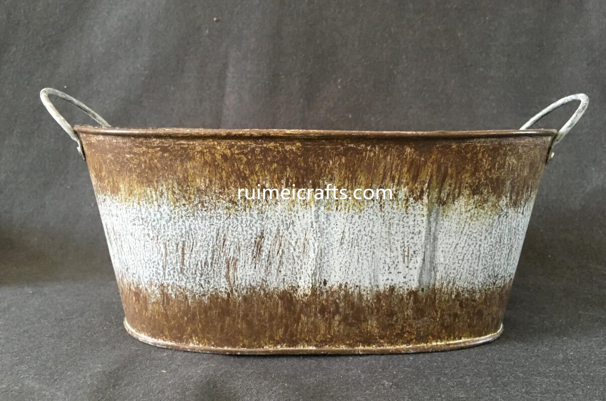 oval metal pot with handles