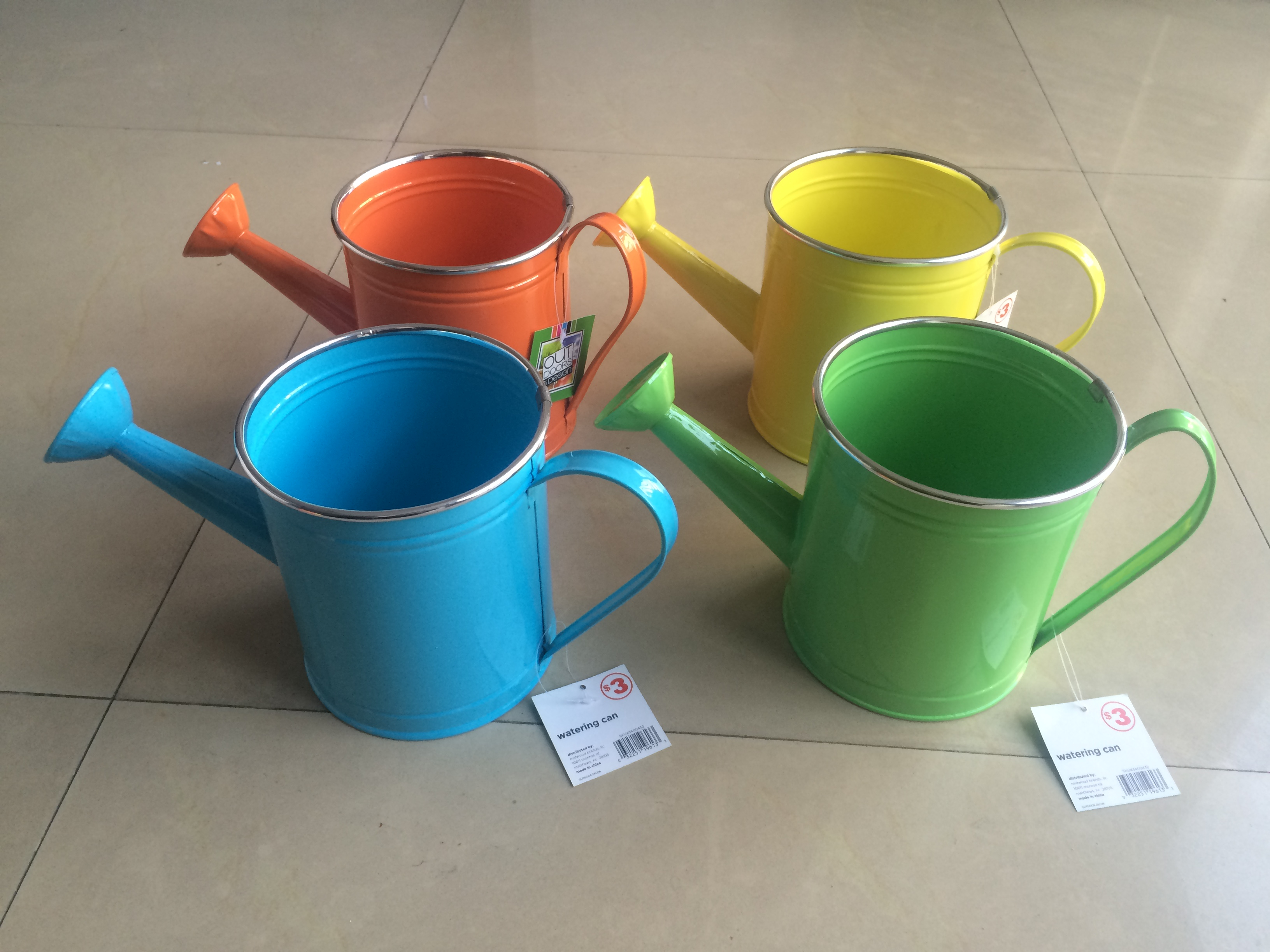 Guangxi factory directly 4 colors asst rim  edge metal sheet watering can