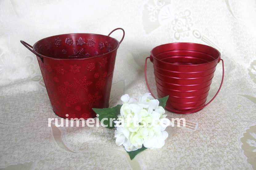 Round Red Metal Flower Pot