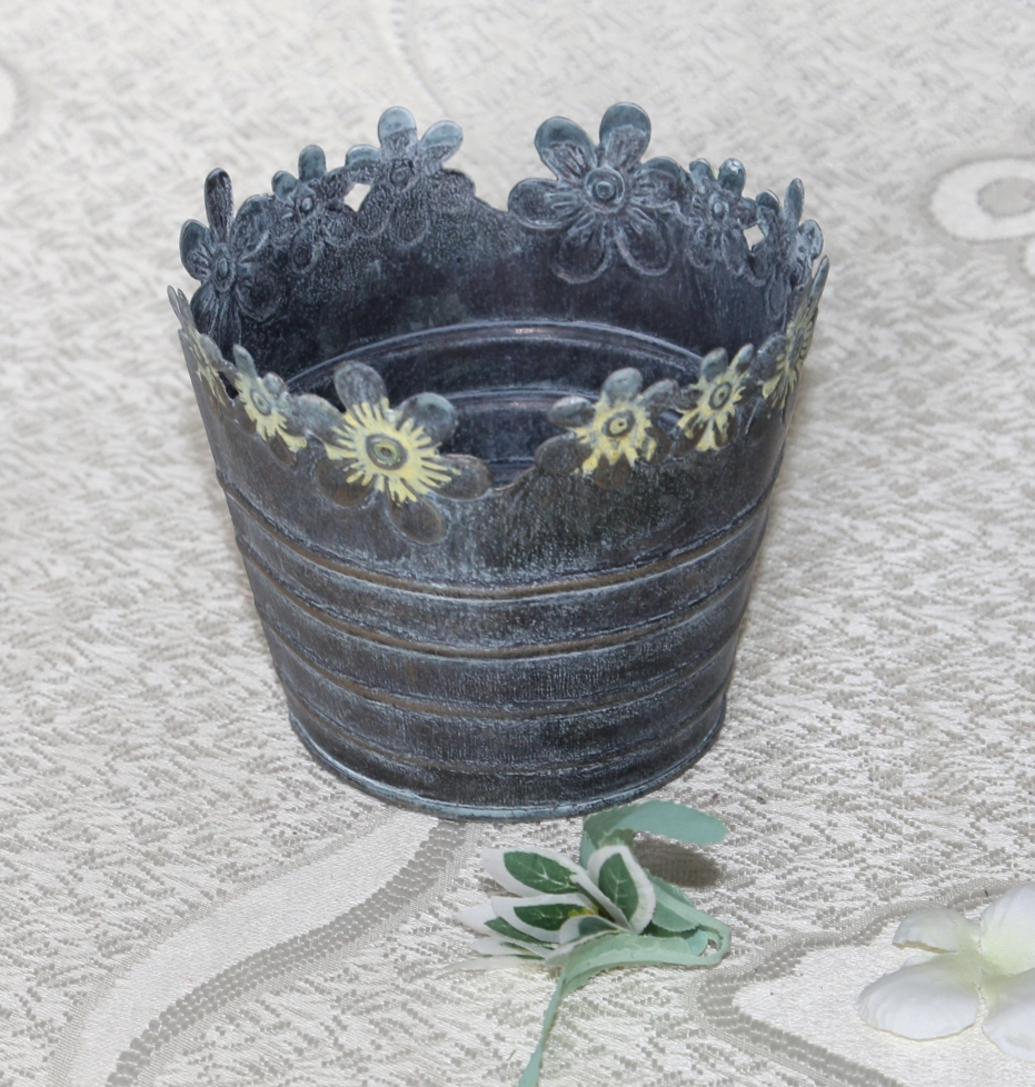 Antique Iron Hollow out Flower Pots