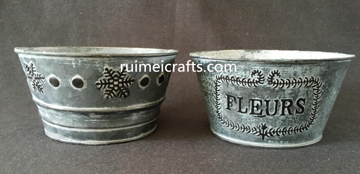 vintage iron sheet pot with convex logo.JPG